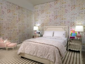 Girls bedroom A  (Small).jpg